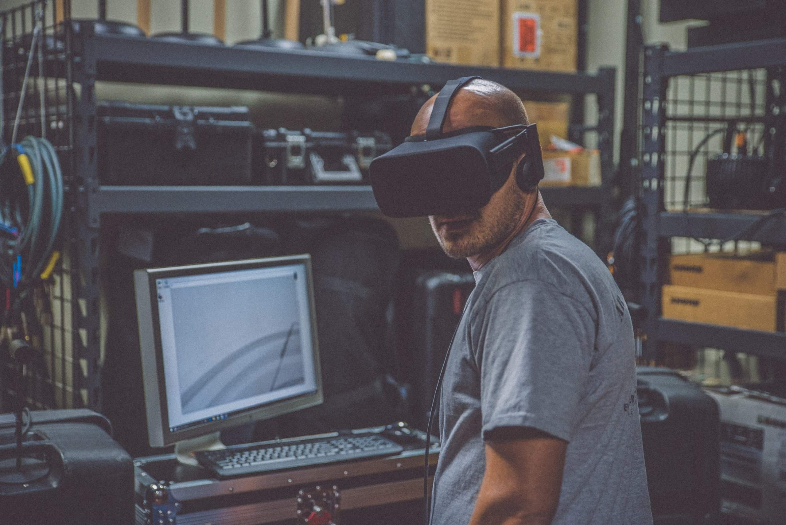 WEBINAR: Remote Communications with Virtual & Augmented Reality